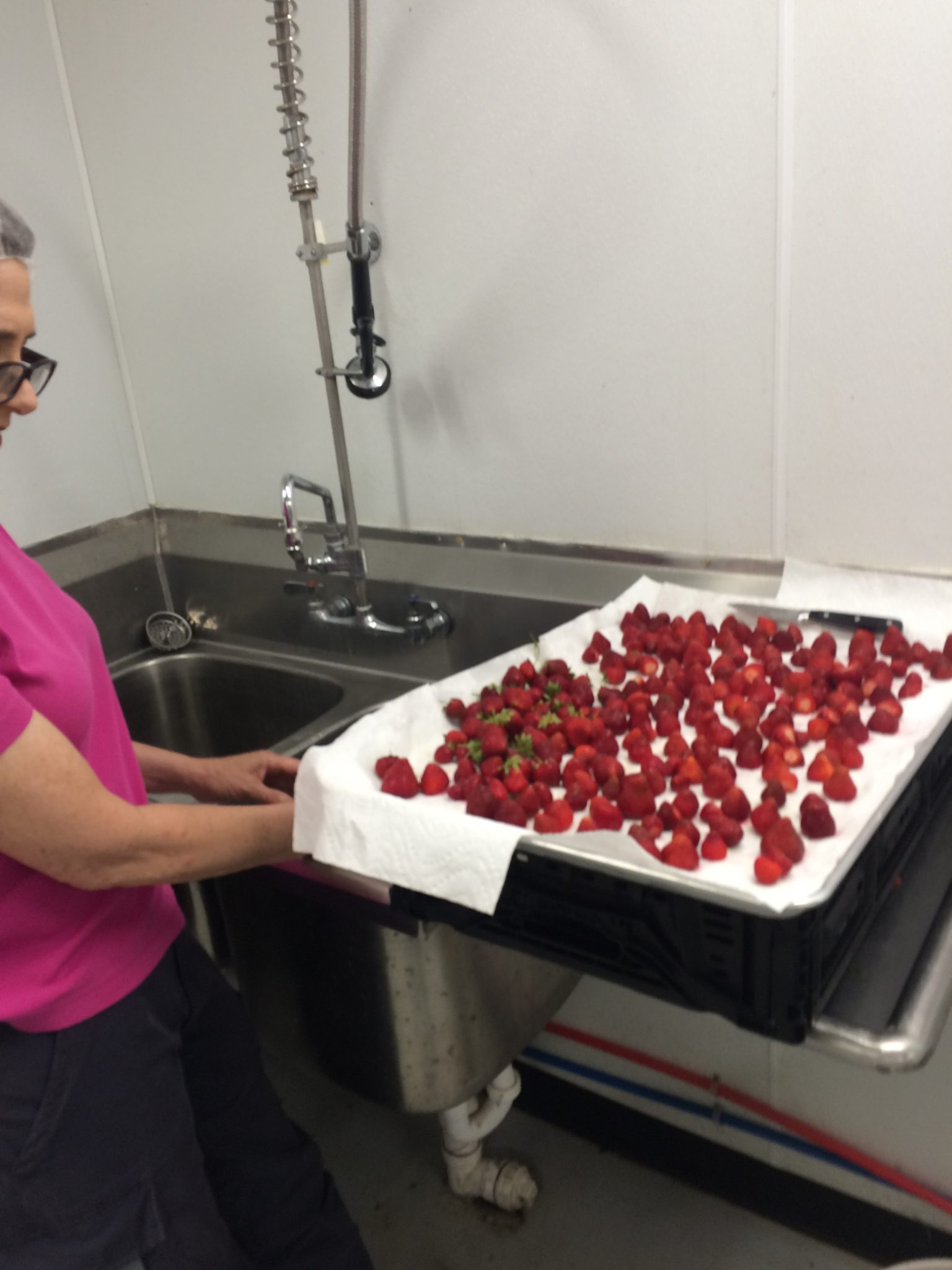 freezing strawberries on tray